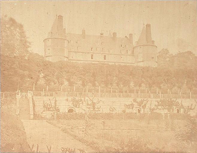 Randan. Château vu des jardins