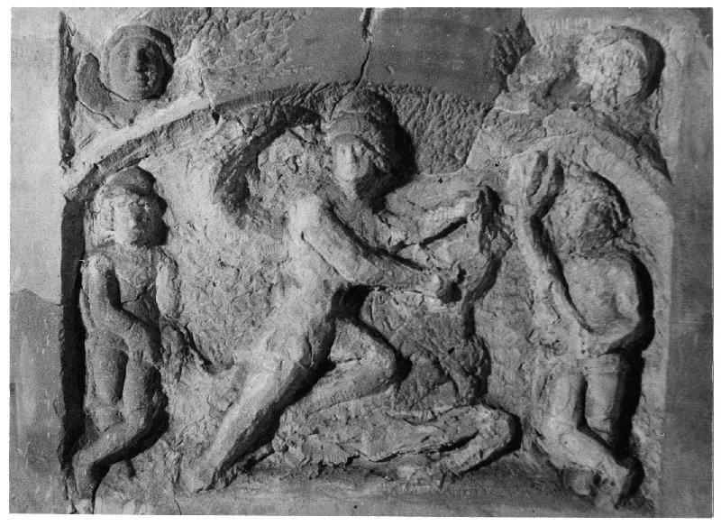 Petit relief de Mithra taurochrone_0