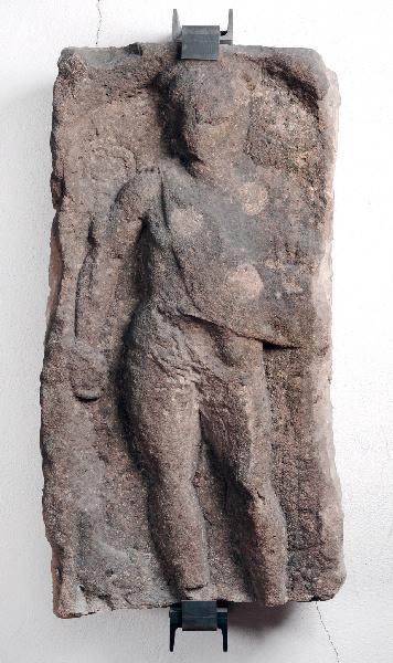Stèle de Mercure portant Bacchus ; Stèle votive_0