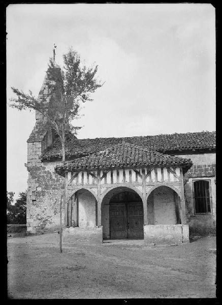 ARNAUDIN Félix : Porche de l'église - Labrit (Landes) (Titre attribué)