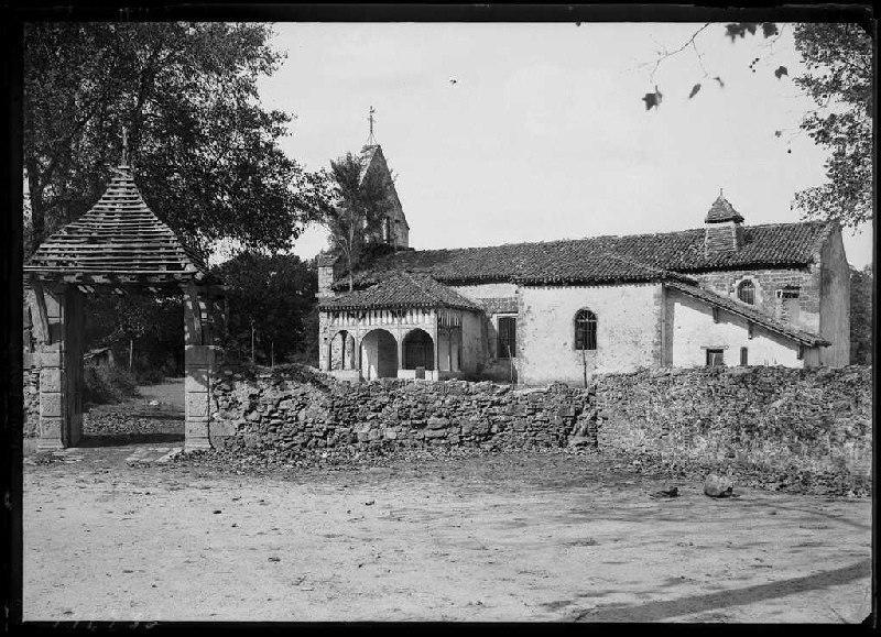 Église et cimetière (Titre attribué)_0