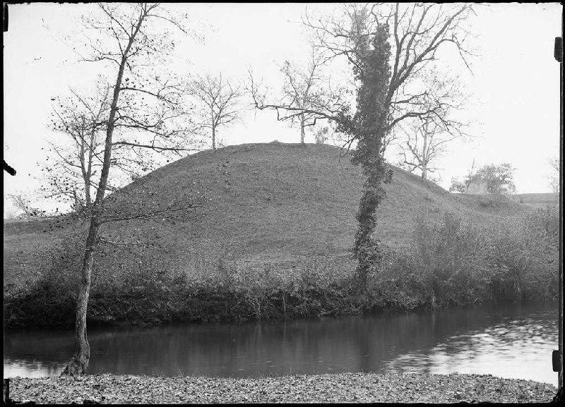 ARNAUDIN Félix : Motte du moulin et tour - Arjuzanx (Landes) (Titre attribué)