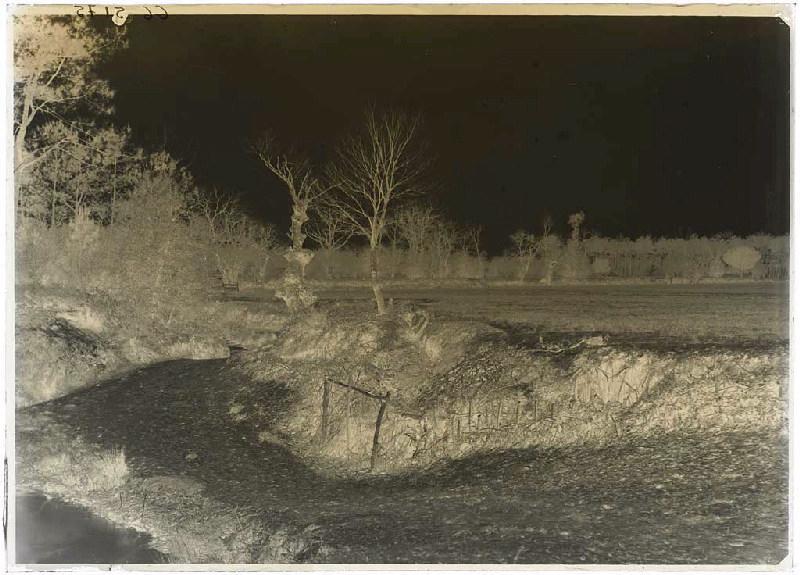 ARNAUDIN Félix : Passage entre le champ et le ruisseau - Grué (Lüe) (Titre attribué)