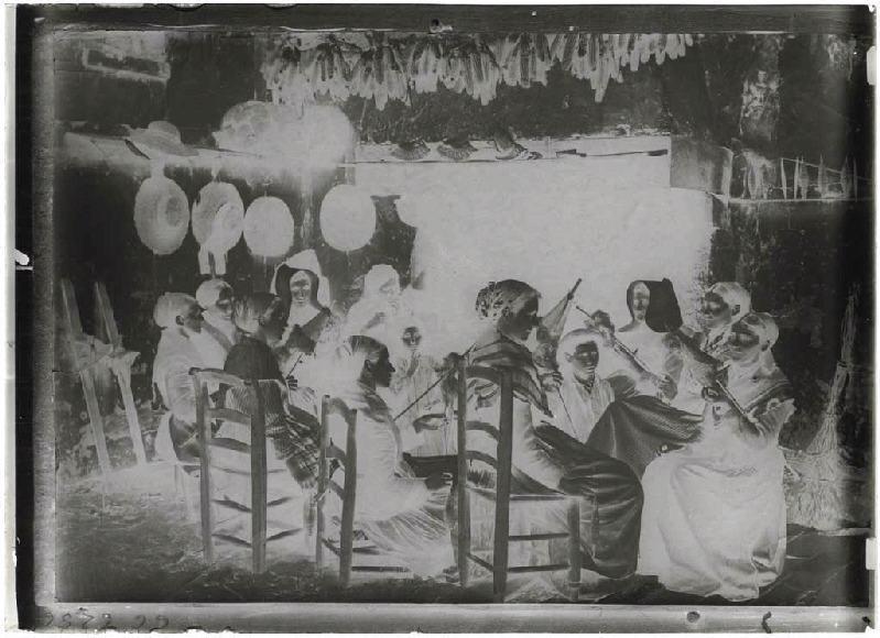 Reproduction phototype de fileuses - Labouheyre (Landes d) (Titre attribué)_0