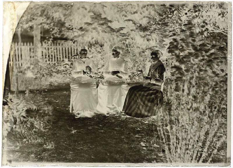 ARNAUDIN Félix (photographe) : Femmes assises