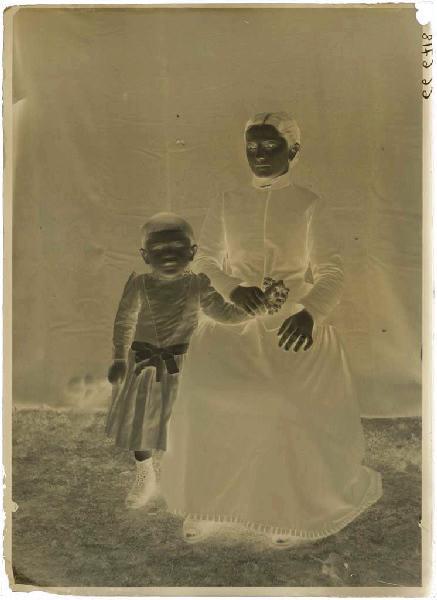 ARNAUDIN Félix (photographe) : Femme et enfant