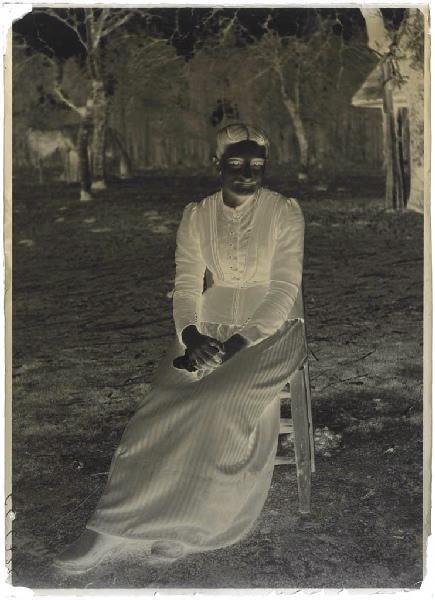 Jeune femme assise ; Femme assise (titre attribué)_0