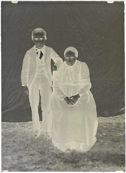 Catine Barrail et son petit-fils ; Femme âgée et garçonnet (titre attribué)_0