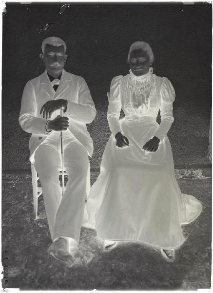 ARNAUDIN Félix (photographe) : Couple assis