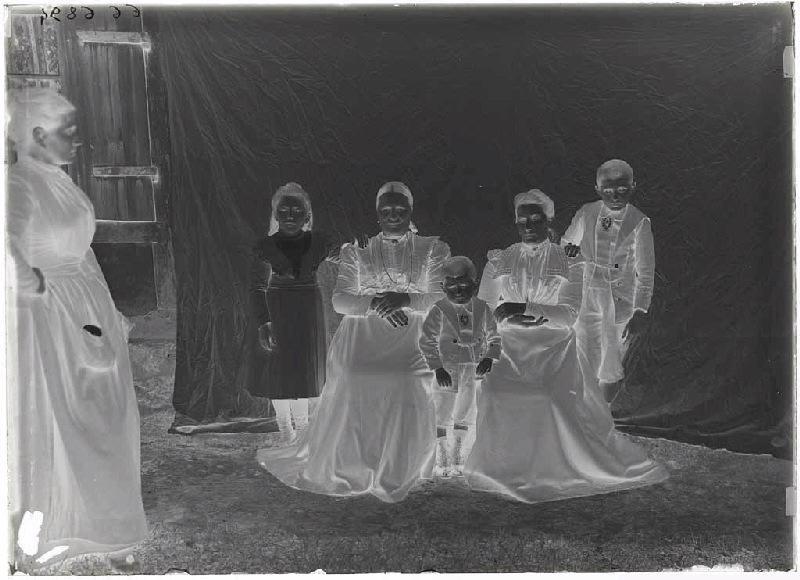 ARNAUDIN Félix (photographe) : Femmes et enfants