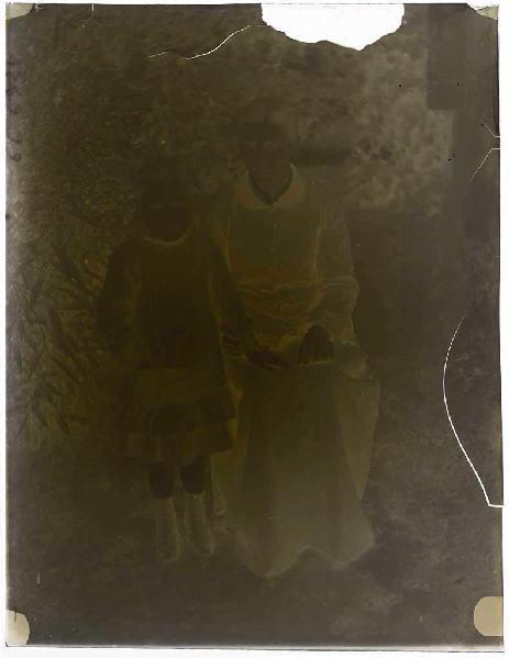 ARNAUDIN Félix (photographe) : Femme et fillette