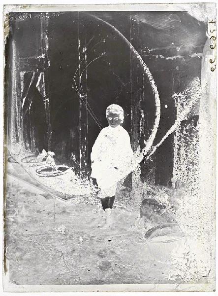 ARNAUDIN Félix (photographe) : Camille enfant, Fillette (titre attribué)