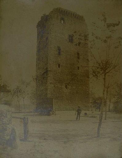 La Bastide-Villefranche : le donjon (titre factice)_0