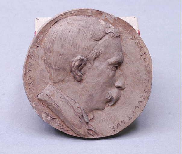 Médaillon, Mr Truman-Barlett (sculpteur)_0