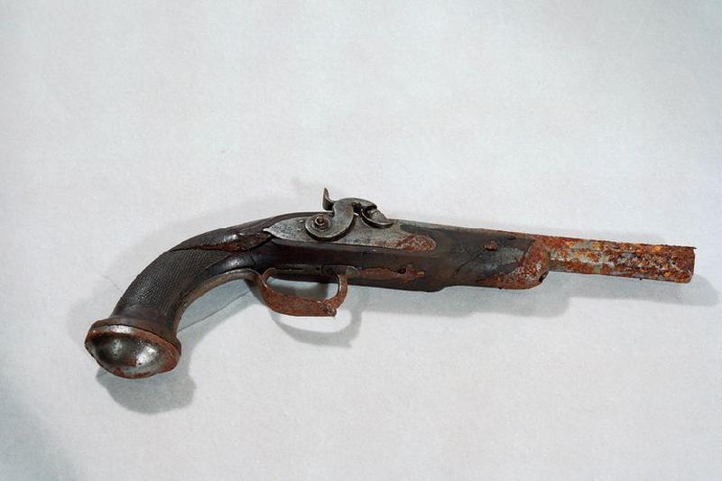 manufacture indéterminée (manufacture) : pistolet