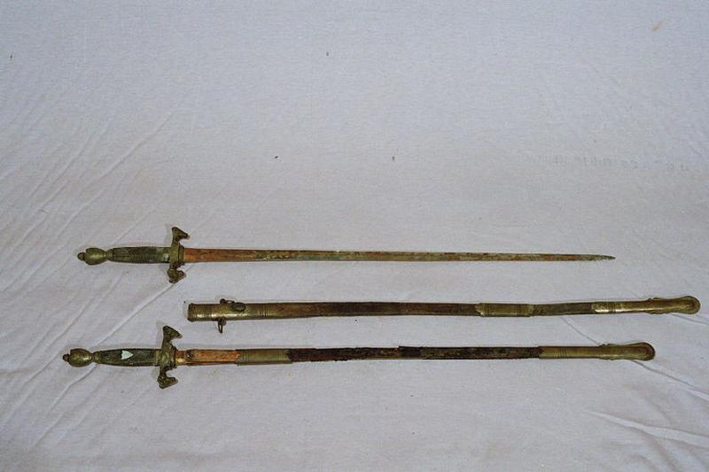 manufacture indéterminée (manufacture) : glaive