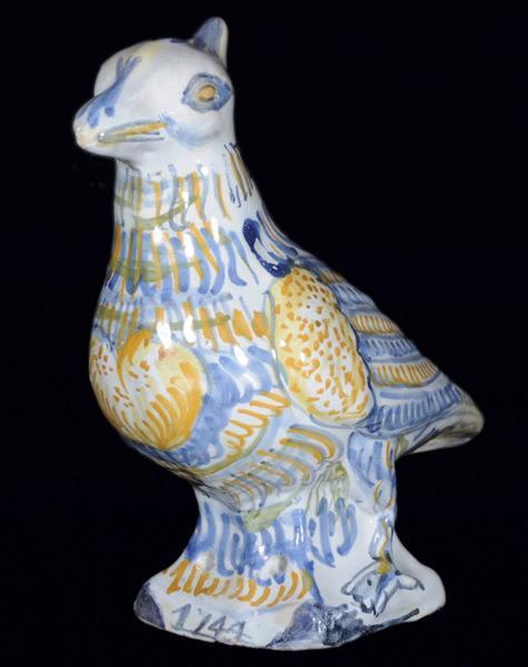 manufacture indéterminée : Pigeon de faîtage