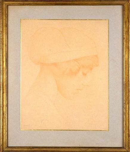 Tête de jeune fille coiffée d'un bonnet_0