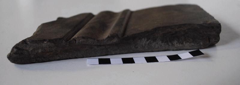 anonyme (sculpteur) : Fragment de panneau taillé et mouluré