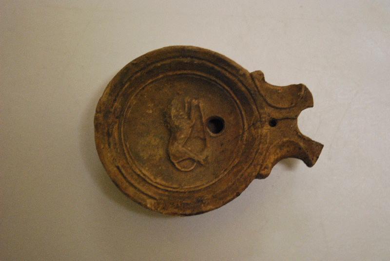 anonyme (céramiste) : lampe à huile (5)
