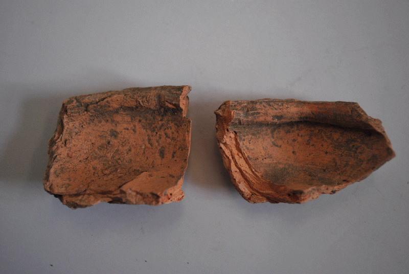 anonyme (céramiste) : lampe à huile, fragment (2)