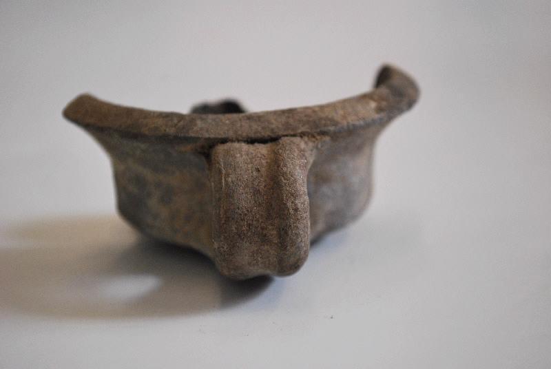 anonyme (céramiste) : lampe à huile (2, fragment)