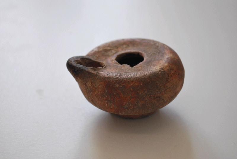 anonyme (céramiste) : lampe à huile (2)