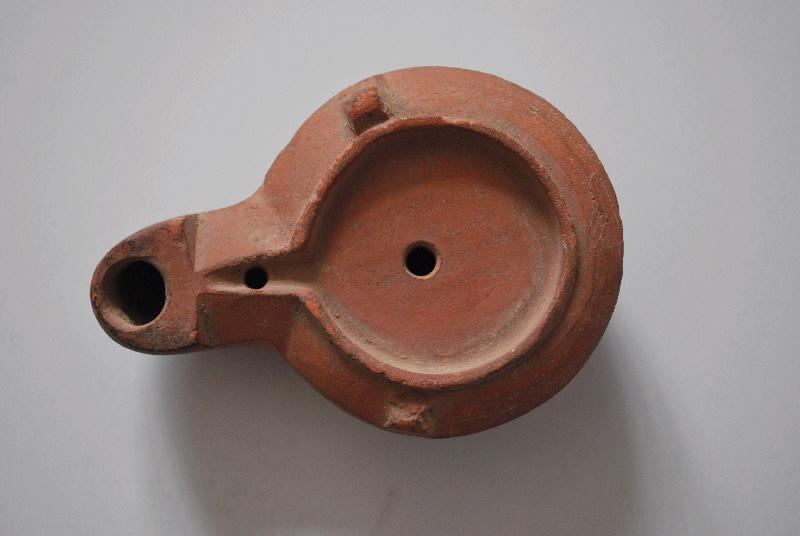 anonyme (céramiste) : lampe à huile (4)