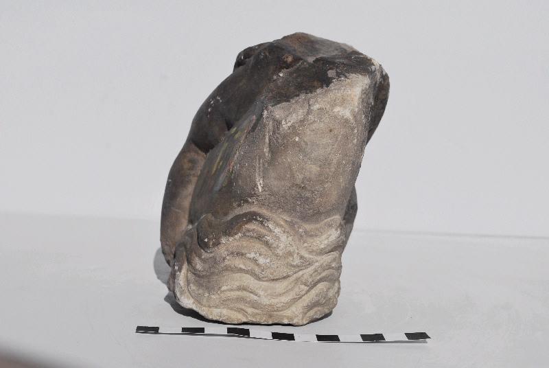 statue, fragment : Amour sur dauphin