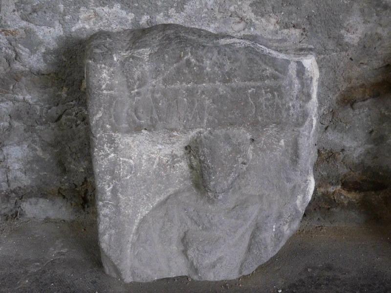 Stèle à inscription C CAMMI SEM_0