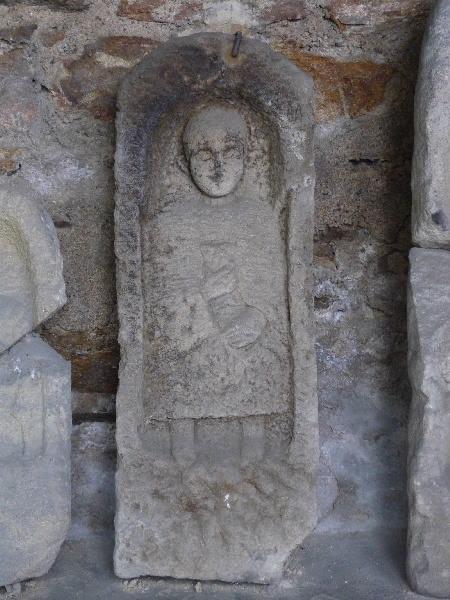 Stèle féminine et SVRILLA_0