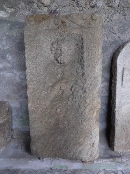 Stèle à inscription AVIT ELV / APR ILIS_0