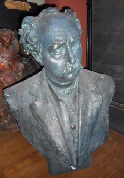 Buste de René Binet_0