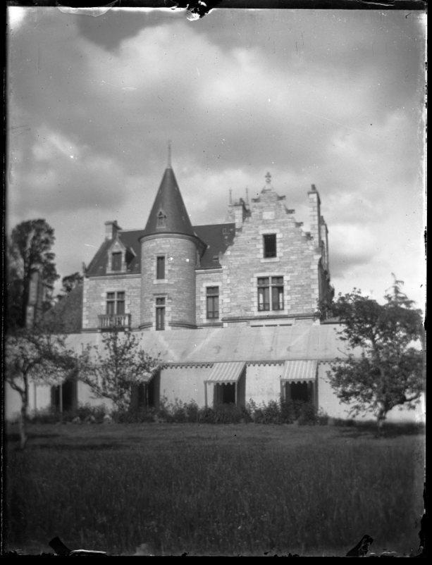 Manoir à tourelle | KEREVER Georges de