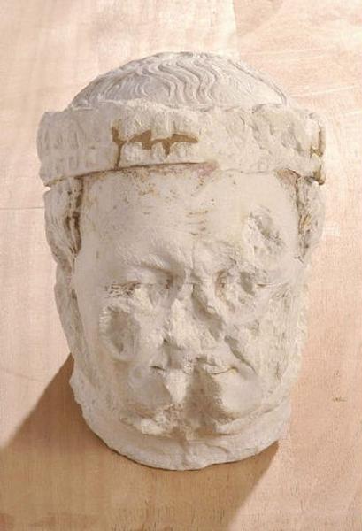 Tête du priant de Jean de Berry ('Tête originale du priant de Jean, duc de Berry' (source : catalogue 'exposition Bourges musée du Berry 2004') )_0