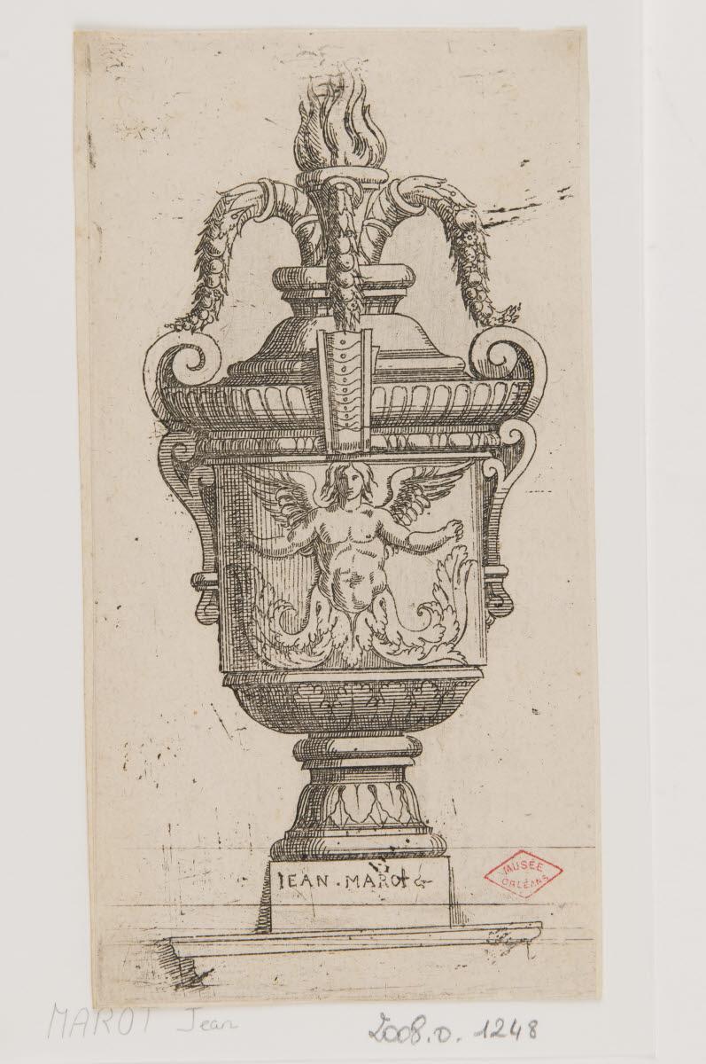 Vase au génie ailé_0