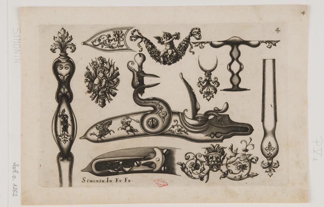 SIMONIN Claude (inventeur, graveur, éditeur) : Planche d'ornements d'arquebuses avec une putto sur une guirlande