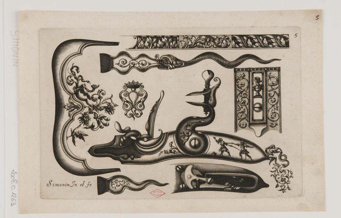 Planche d'ornements d'arquebuses avec un duel à l'épée_0