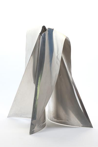 BASCHET François (sculpteur, facteur d'instrument) BASCHET Bernard (sculpteur, facteur d'instrument) : Robe Polly Maggoo
