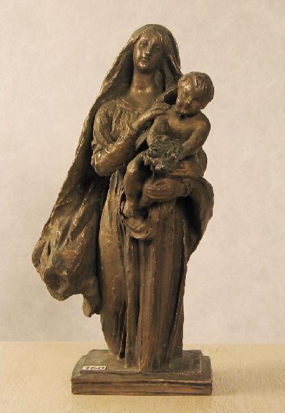 Vierge voilée avec Enfant tendant des fleurs_0