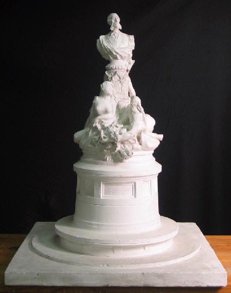 Monument à Francis Garnier_0