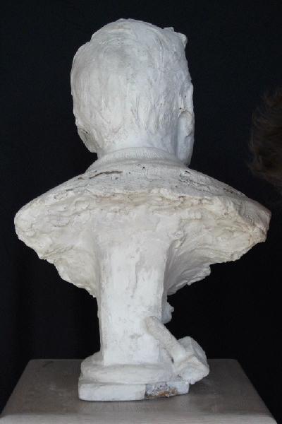 PUECH Denys (sculpteur) : Buste d'homme
