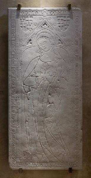Dalle funéraire de Marquesia de Linars (ou Lias, morte en 1292). (Titre cartel de 2007.) ; Dalle funéraire gravée de Marquesia de Linars ou Lias (Ancien titre.)_0