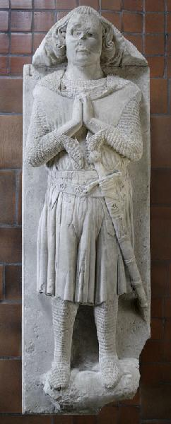 Gisant de Bernard, Comte de Comminges (Bernard VI 1241-1295 ou Bernard VII 1295-1312 ?) (Titre cartel de 2007) ; Gisant solidaire d'une dalle : Bernard VI, comte de Comminges (1241-1295) ou BERNARD VII (1295-1312 ?) (Ancien titre)_0