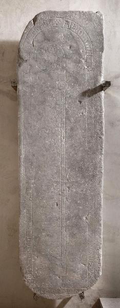 Dalle funéraire et épitaphe de Bernard de Gensac, abbé de Saint-Sernin (?-1263 -)_0