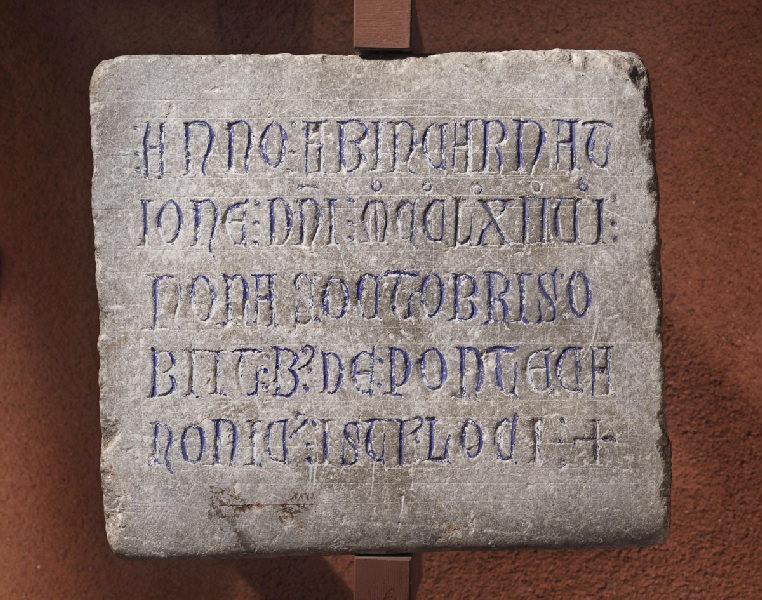 Epitaphe de Bernardus de Ponte (Bernard de Pont, chanoine, mort le 2 octobre 1262.)_0