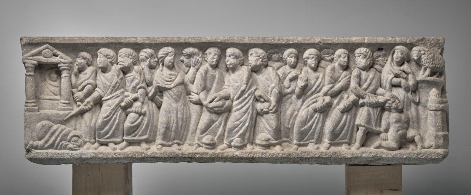"""Cuve de sarcophage dite """"tombeau de saint Clair""""_0"""