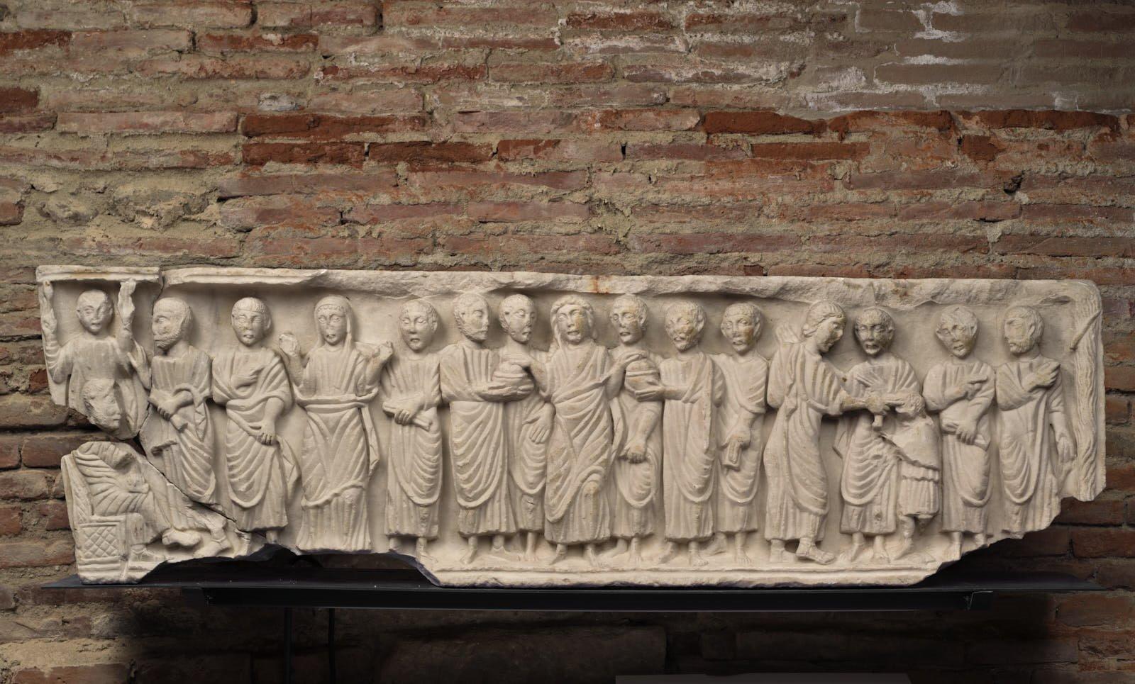 Face antérieure d'une cuve de sarcophage paléochrétien_0