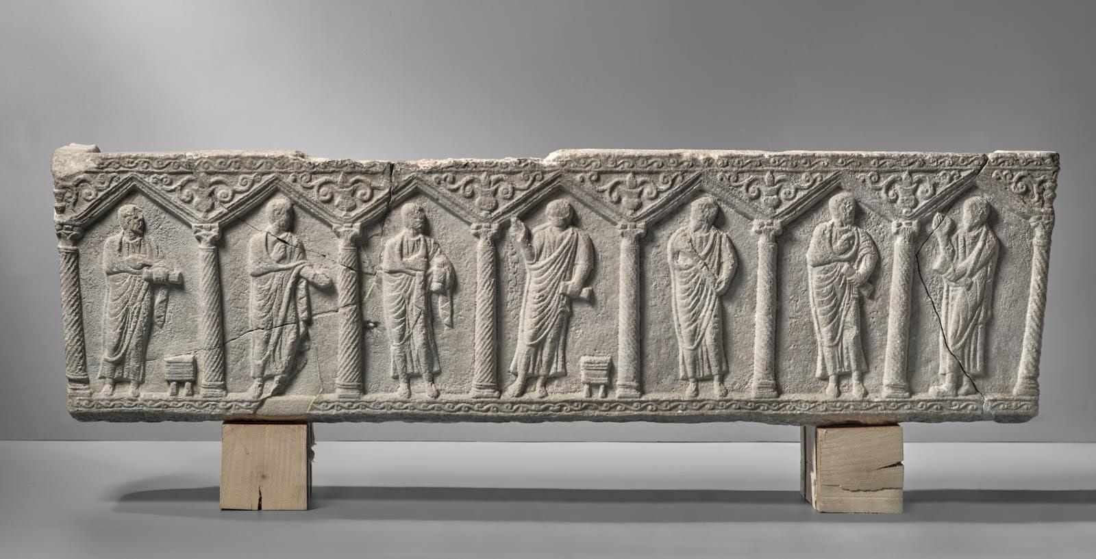 Cuve de sarcophage paléochrétien_0