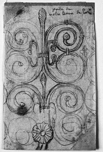 Ferrures d'une porte de Notre-Dame de Paris_0